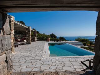 Serene Cycladic Villa, Paros