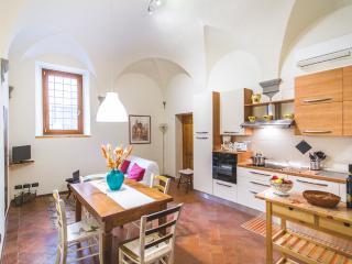 Grazioso appartamento in Santa Croce con garage, Florence