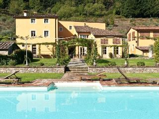 Lucca Estate - Villa Classica Luxury house rentals near Lucca