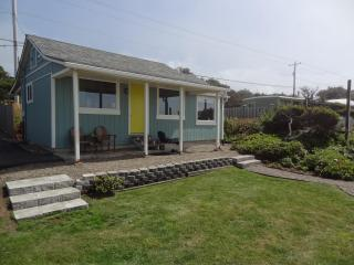 Sea Gem - Oceanfront Cottage with Modern Amenities, South Beach