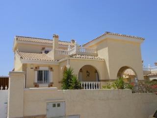 (471) Casa Lorena 3 bed villa private pool air-con Wi-Fi close to amenities