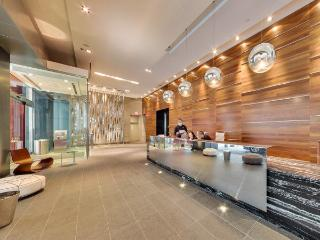 A 5 Star Luxury Downtown~TIFF Bell LightBox BOOK NOW!, Toronto