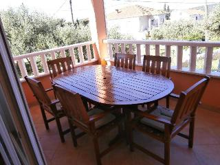 Villa Mellita-ground floor apartment, Okrug Gornji