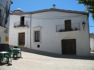 Casa antigua de 500m2 con un Atico y un Patio, Aracena
