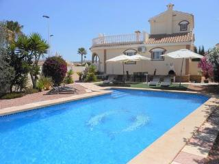 (507) Casa Nansorb 3 bed villa large garden and private pool air-con Wi-Fi