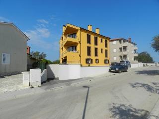 Villa Suncokret - A6, Premantura