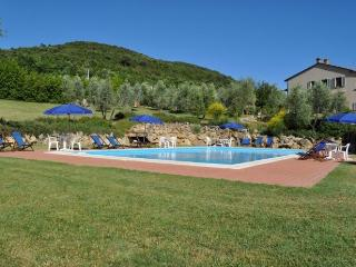Lodging quadri in Iano,near Volterra,air conditioning,terrace,Wi Fi,swimmingpool
