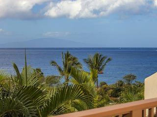 MAUI KAMAOLE #A-201 2BD/2BA, OCEAN VIEW, FRONT ROW, FULL A/C, WIFI, SLEEPS 4