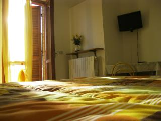 B&B Umbria near Assisi with parking and garden, Asís