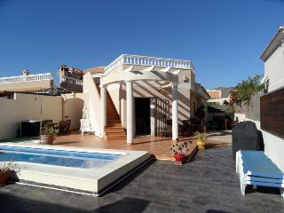 Villa I.D 3  bed roomed villa with private pool, WIFI, Airco. UK TV etc