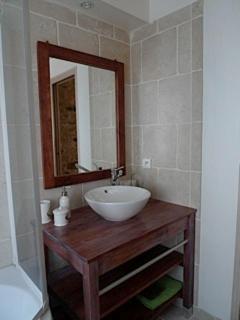 Gîte jardin - salle de bain