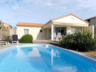 Vendee Villa Acacia  6P private heatable pool, Les Sables d'Olonne