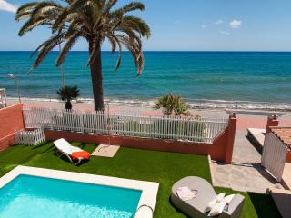 Superb Villa at the Beach Front Veril Playa