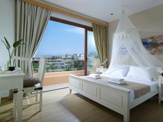 HOTEL GEORGIA, Gazi