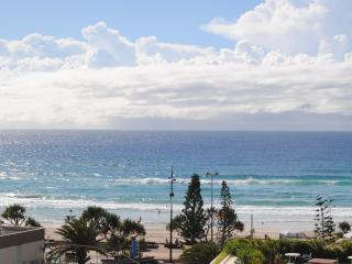 Self Contained Unit with Great Ocean Views, Surfers Paradise