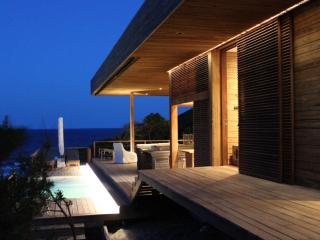 Vista Abril - luxury beach villa by safari reserve