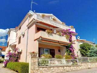 Apartments Udov Ana 4 persons, Vodice