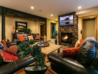 Park City Epic Lodge 6 -Walk to America's Largest Ski Resort-Located in the Historic District-Two Large Living Areas, Private Hot Tub + Sauna, Gourmet Alpine Kitchen, Free High Speed Wi-Fi, Ample Parking and 6 Bedrooms-6.5 baths