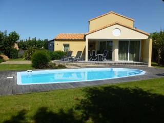 Vendee Villa Sophora 8P private heatable pool, Les Sables-d'Olonne