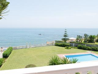 BEACH FRONT VILLA IN COSTA DEL SOL, Mijas