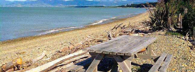 Ruby on the Bay, Nelson