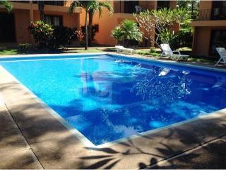 Beautiful 2 bedroom condo close to the beach, Playas del Coco