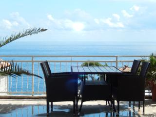 AMAZING SEA VIEW FROM TERRACE-CENTRALY LOCATED IN DUBROVNIK