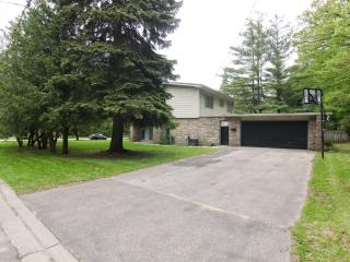 4BR House in the prestigious Lorne Park  - Mississauga