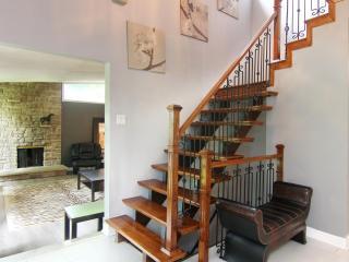4 Bedroom Executive House - Prestigious Lorne Park, Mississauga