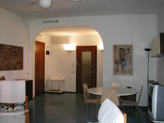 APPARTAMENTO CADORNA A 150 METRI DALLA SPIAGGIA, Milano Marittima