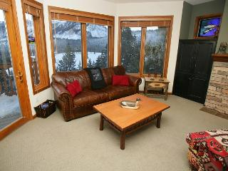 Eagle Run 202 - Ski In Ski Out Mammoth Townhome, Mammoth Lakes