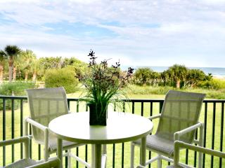 Gorgeous DIRECT Oceanfront Condo - Check It Out!, Cocoa Beach