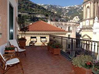 Il Sagrato - Large apartment with terrace, Minori