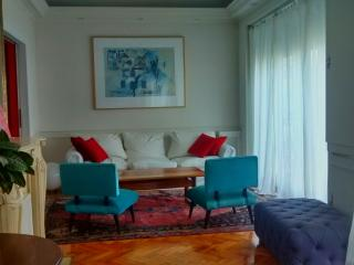 Room in French-style ap. Recoleta