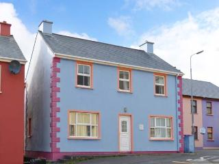 SEAVIEW APARTMENT, coastal apartment, village location, en-suite, open fire, pet friendly, Allihies Ref 912390