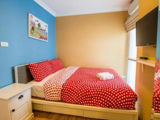 Bedroom 2 ( Queen Size Bed )
