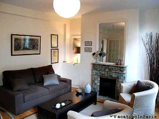 Duquesne Delight with 2 Bedrooms in Paris