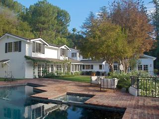 #153 Beverly Hills Vacation Estate with Pool a