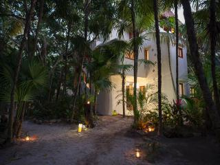 Casa Mandala - Stunning Mahayana Tulum Beach House with Private Pool & AC