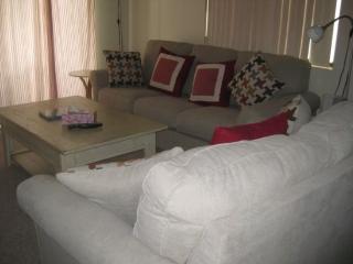 ONE BEDROOM PLUS DEN CONDO ON EAST PORTALES - 1CWEA