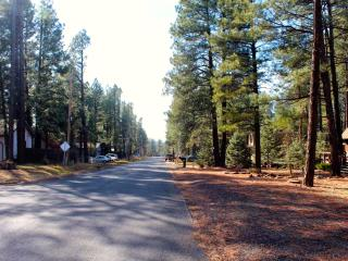 Sunny Pines Flagstaff - a Cozy Couples Cabin