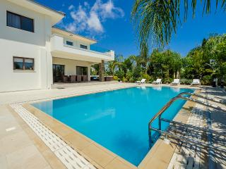 Oceanview Villa 109 - Stunning and private 4 bed