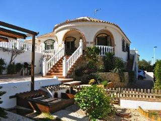 (530) Casa Tortugas 2 bed villa private pool air-con Wi-Fi near bars restaurants