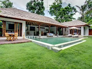 Luxurious Modern Private Canggu Villa