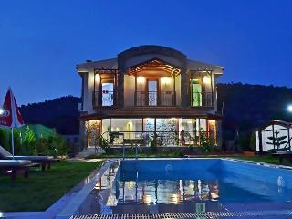 New Age Lettings Villa Terra 'secret pool & garden, Fethiye