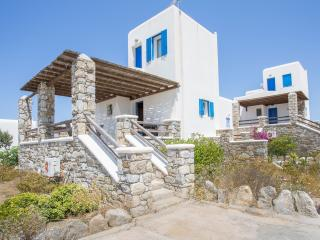 House with Pool and Sea View in Ornos, Ciudad de Míkonos