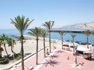 Piso moderno en el paseo maritimo, Almeria