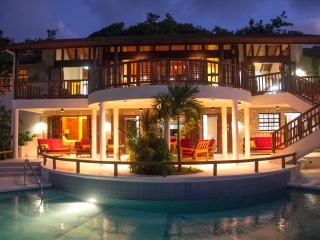 Villa Solitaire - A Serene, Luxurious Getaway, Westerhall