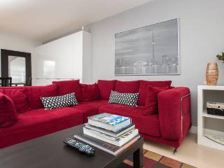 Spacious 2BR/2BA Condo Suite, Toronto