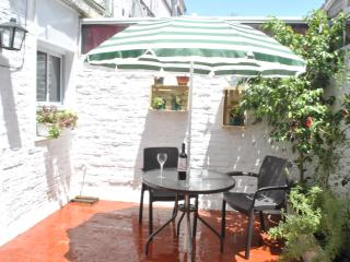 Sunny studio with patio in the tango district, Buenos Aires